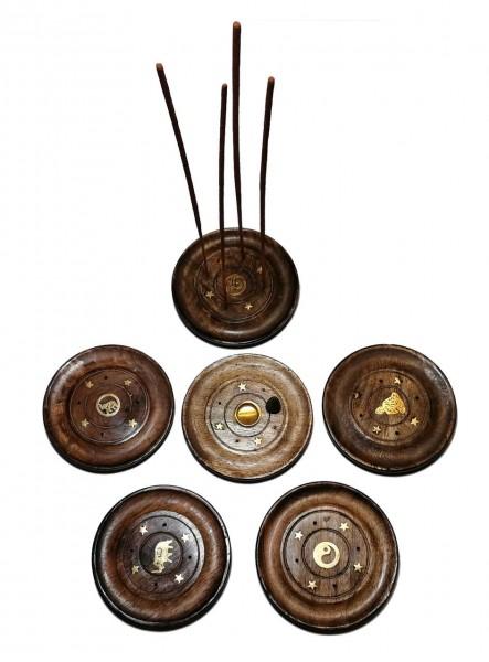 Halter aus Mangoholz für Räucherkerzen/-stäbchen, handgefertigt, mit Messingverzierung